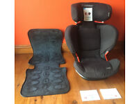 Maxi-Cosi Rodifix Total Black Car Seat with a FREE NEAT SEAT PROTECTOR **EXCELLENT CONDITION**