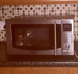 Microwave Oven DeLonghi