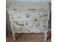 Very decorative chest of two drawers.