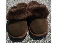 Emu Australia Womens Sheepskin 'Slide' Slippers Chocolate Brown UK 8, Euro 42 NEVER USED RRP £60