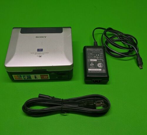 Sony Digital Video Cassette Recorder GV-D1000 NTSC w/ Power Adapter *No Battery*