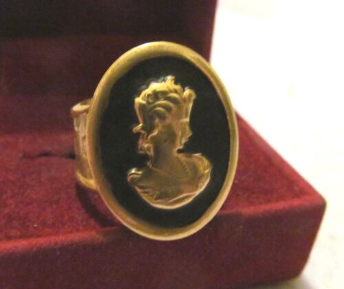 Pretty VICTORIAN REVIVAL ENAMEL ETRUSCAN  CAMEO WIDE GOLD RING