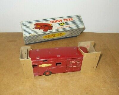 Vintage DINKY TOYS 981 HORSE BOX en boite avec cales / in box with inserts - 60s