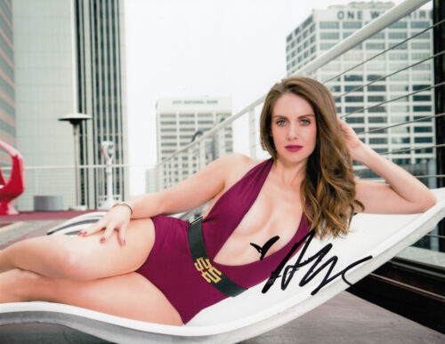 Alison Brie HOT SEXY signed 10x8 photo AFTAL & UACC [16697] Signing Details COA