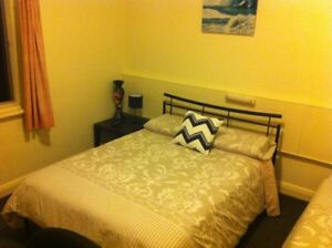 Large room for rent at Glenelg foreshore $75 a Night. Weekly avail