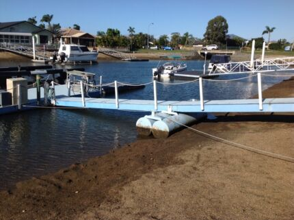 Pontoon Scarborough Redcliffe Area Preview