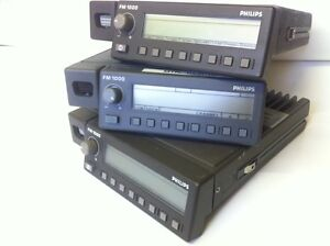 PHILIPS-FM-1100-VHF-30W-TRANSCEIVER-EX-EMERGENCY-SERVICES-x1-fcd3a