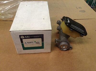 NEW ARI M86014 Brake Master Cylinder | Fits 85-95 Chevrolet GMC