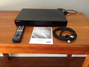 Blu-ray / DVD player / recorder Hamilton Newcastle Area Preview