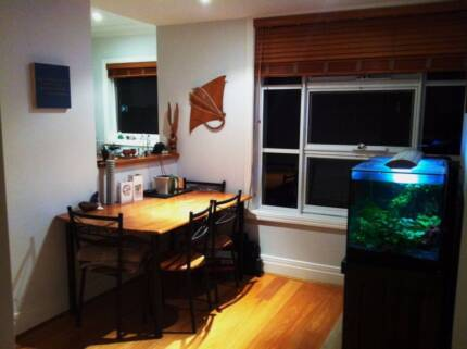 Furnished room in 2 Bedroom Apartment in Dee Why (share with 1)
