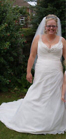 Size 14/16 wedding dress