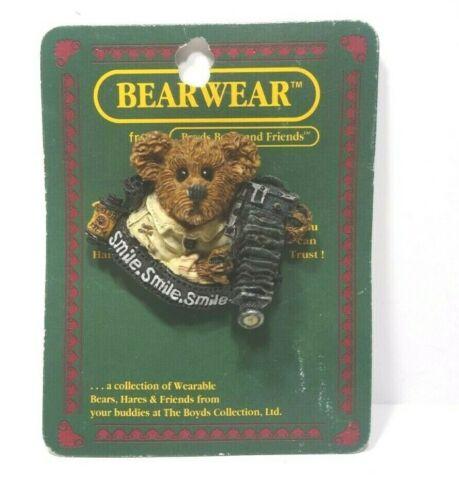 Boyds Bears BearWear Flash McBear Smile Photographer Photography Pin #26115