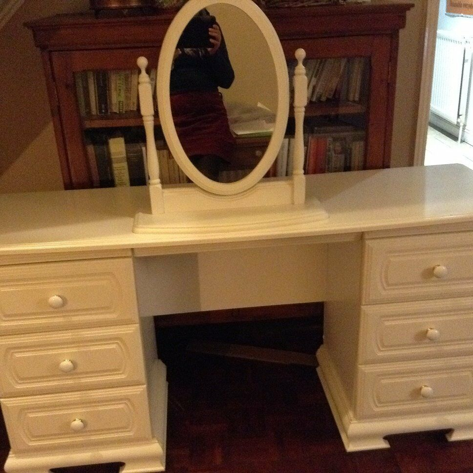 white dressing table 6 drawers in lymington hampshire. Black Bedroom Furniture Sets. Home Design Ideas
