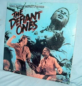 LD-laserdisc-THE-DEFIANT-ONES-Sidney-Potier-Tony-Curtis-1958-b-w