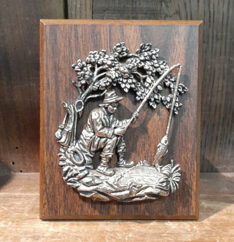 Vintage Great Smoky Mountains Souvenir Wall Plaque Fisherman Fishing Hole