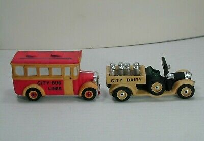 """VINTAGE MINT 1988 CHRISTMAS IN THE CITY """"TRANSPORT"""" 59838 RETIRED"""