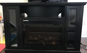 Fire place / TV stand