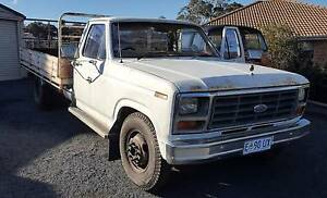 1985 Ford F350 6 cylinder manual Dual Fuel Old Beach Brighton Area Preview