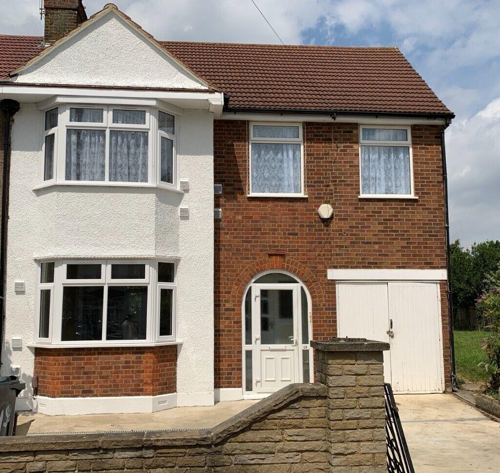 4 Bedroom Property to rent (NO ADMIN FEES)   in Heathrow ...