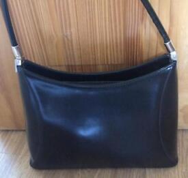 Black Vani New York Las Handbag