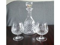 Glass decanter and 2 glasses