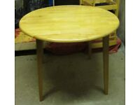 SMALL ROUND DROP LEAF TABLE AND 4 DINING CHAIRS **MINT CONDITION/AS NEW**