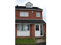 5 bedrooms in Newport View, Leeds, LS6 3BX