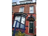 4 bedrooms in Burley Road, Leeds, LS4 2EU