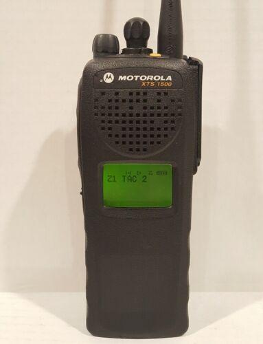 MOTOROLA XTS1500 764-870 MHz P25 Police Fire EMS Digital Radio H66UCD9PW5AN XTS