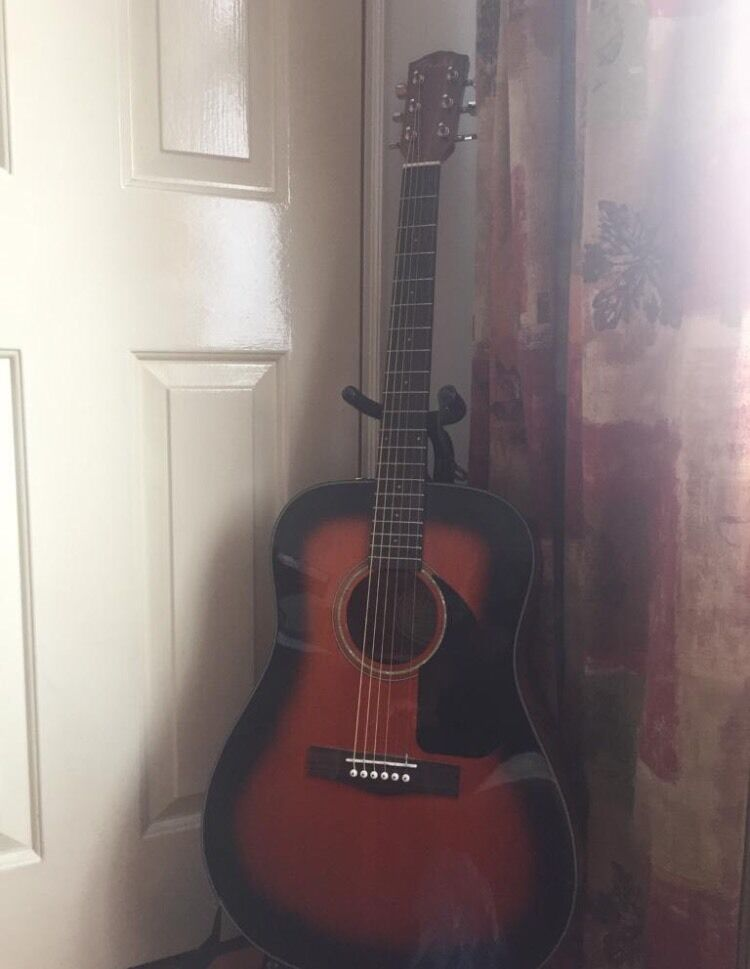FENDER CD 60 s/b90in Newham, LondonGumtree - Beautiful fender guitar for sale! Looks practically new and would be a great present.Comes with extra strings, guitar pick, stagg bag and the guitar stand!£90