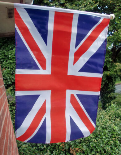 """UNION JACK GREAT BRITAIN LARGE HANDWAVING FLAG 18"""" X 12"""" with 24"""" wooden pole"""