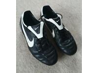 Nike Football boots SIZE 9 UK USED