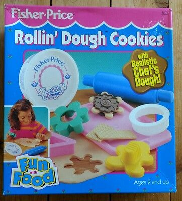 FISHER PRICE ROLLING DOUGH COOKIES FUN WITH FOOD TOY PLAYSET GINGERBREAD ROLLIN'