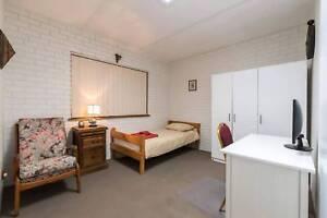 Single Ensuite Room In Sylvania