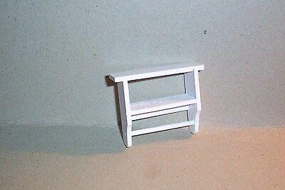 kleines Wandregal in weiss - Miniatur 1:12 Puppenhaus