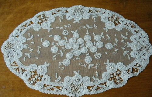 Old Vintage  oval Runner Belgian Brussels Princess Lace H made antiuque  design