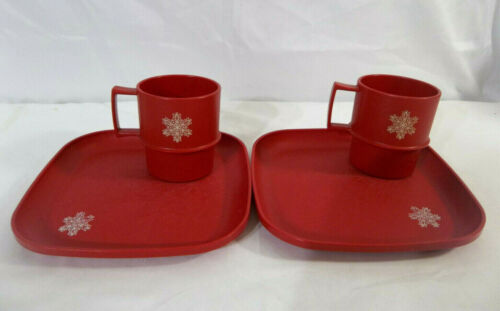 Tupperware Set of 2 Red Luncheon Plates and 2 Multi-Mugs with Snowflake Design