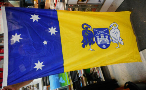 #LL4.   ACT  AUSTRALIAN CAPITAL TERRITORY  COAT OF ARMS  FLAG