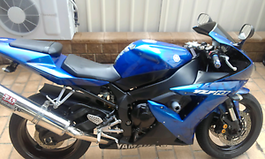 R1 02 $4000 or swap 4 road trail. Ingleburn Campbelltown Area Preview