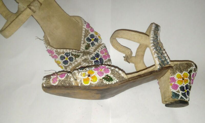 Glass Beaded LOW HEELS--FLORAL--HEAVY BEADING--Vintage Japan--6 6.5 ankle strap