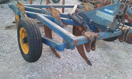 Implements, tractors, tyres & parts