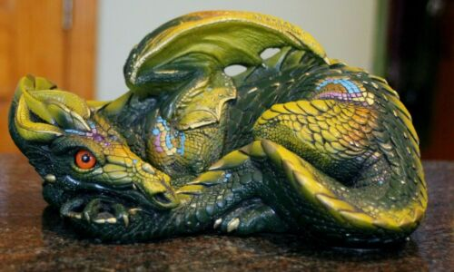 """Pena 1985 Windstone Editions Green Mother Dragon Curled Laying 9"""" long 4.5"""" tall"""