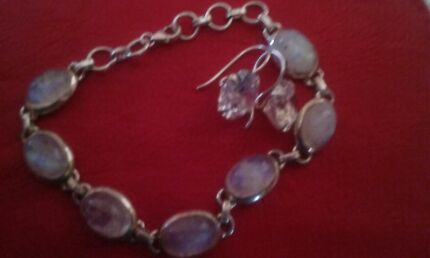 Silver bracelet & silver earrings East Maitland Maitland Area Preview