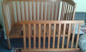 baby cot/bed Carlton Melbourne City Preview