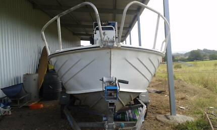 4.5m savage centre console, 60hp evinrude with pod. wide gunnels Rosemount Maroochydore Area Preview