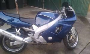 1994 yzf600r cheap road motorbike Churchill Latrobe Valley Preview