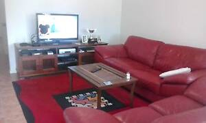 room available in modern f/f 3 br house  with owner in tweedheads Tweed Heads South Tweed Heads Area Preview