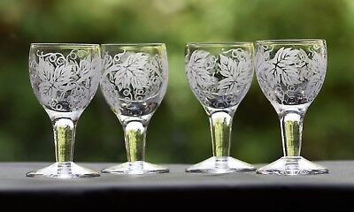 Lovely Set of 4 Hops and Vines Liqueur / Cordial Drinking Glasses