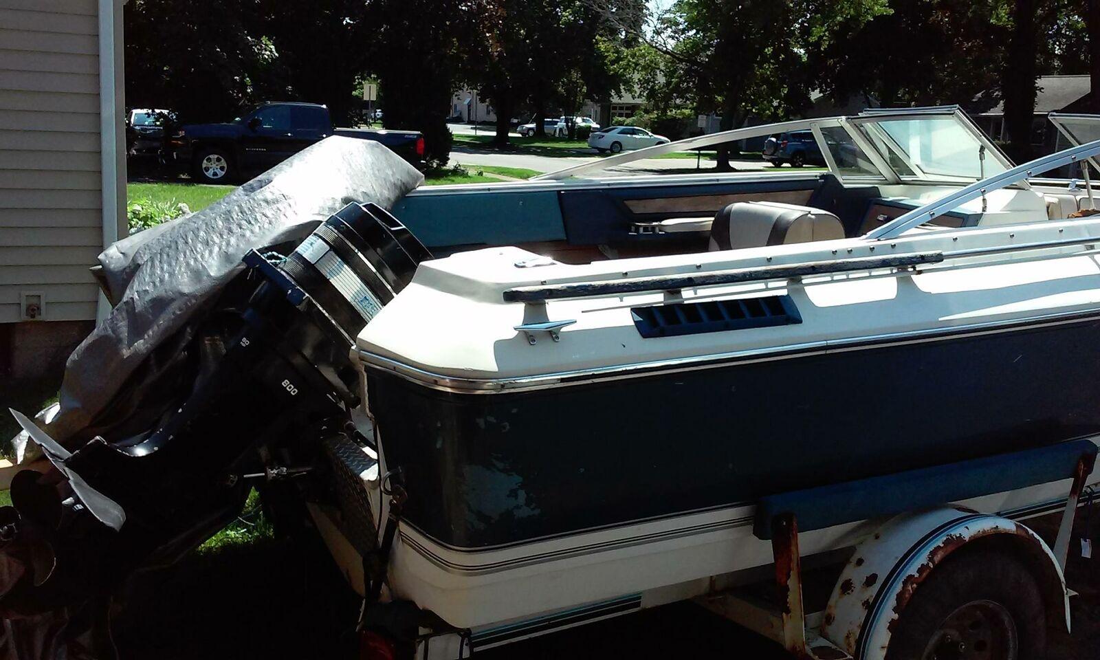 ::1979 CRESTLINER BOAT - TRAILER INCLUDED