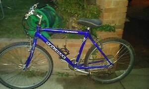 4 mens bikes all ride good gants Greenmount Mundaring Area Preview